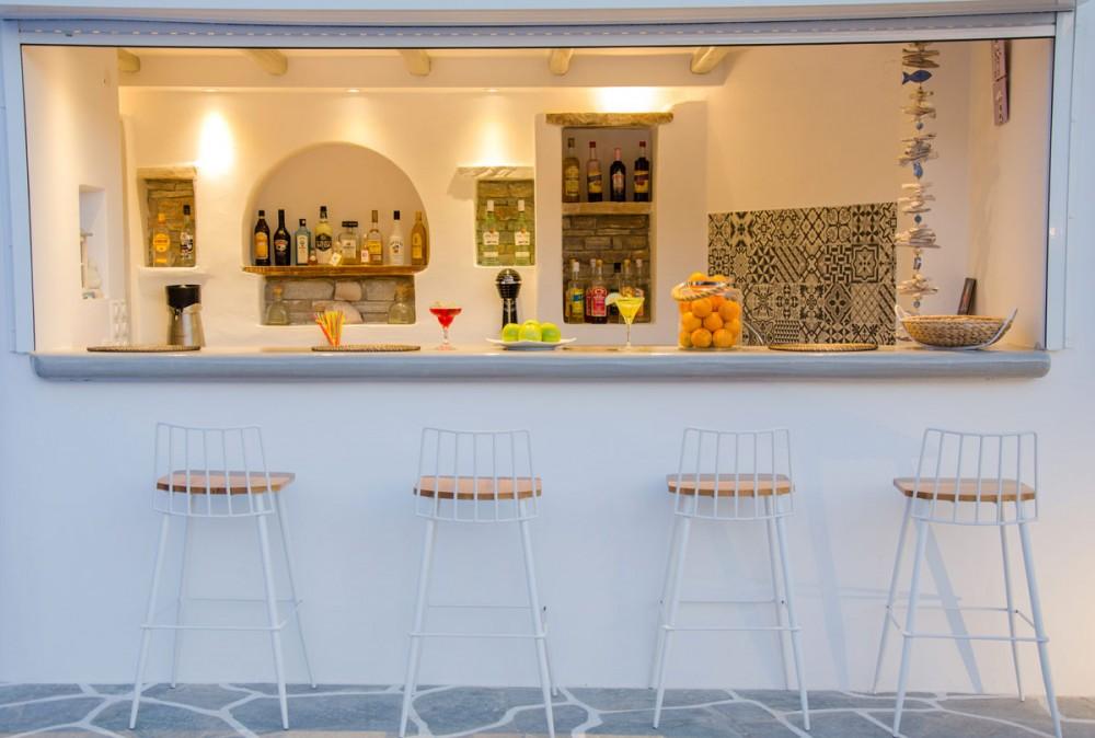 Island House Hotel Bar